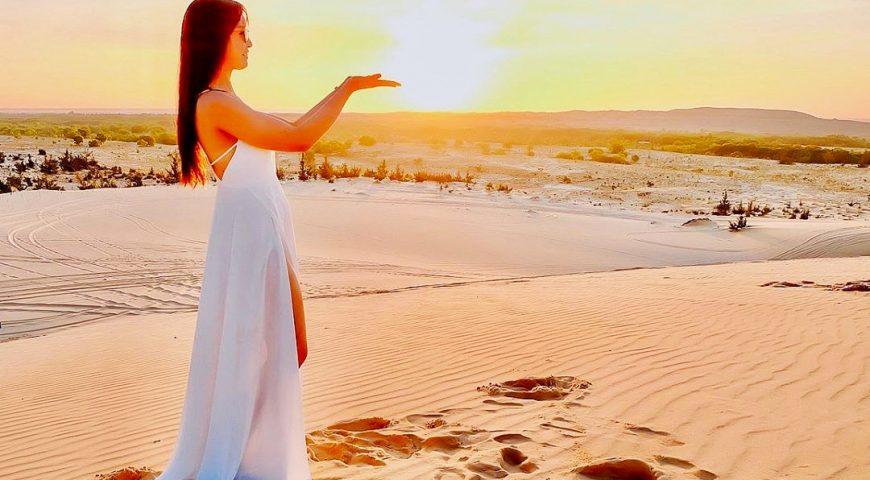 Bắt mặt trời trên đồi cát trắng